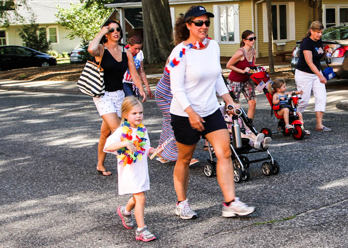 2014-July-4 pedestrians in parade