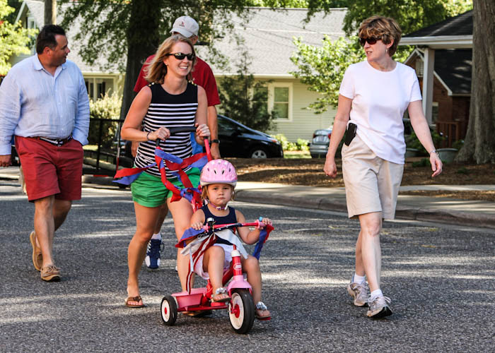 2014-July-4 tricycle, family in parade