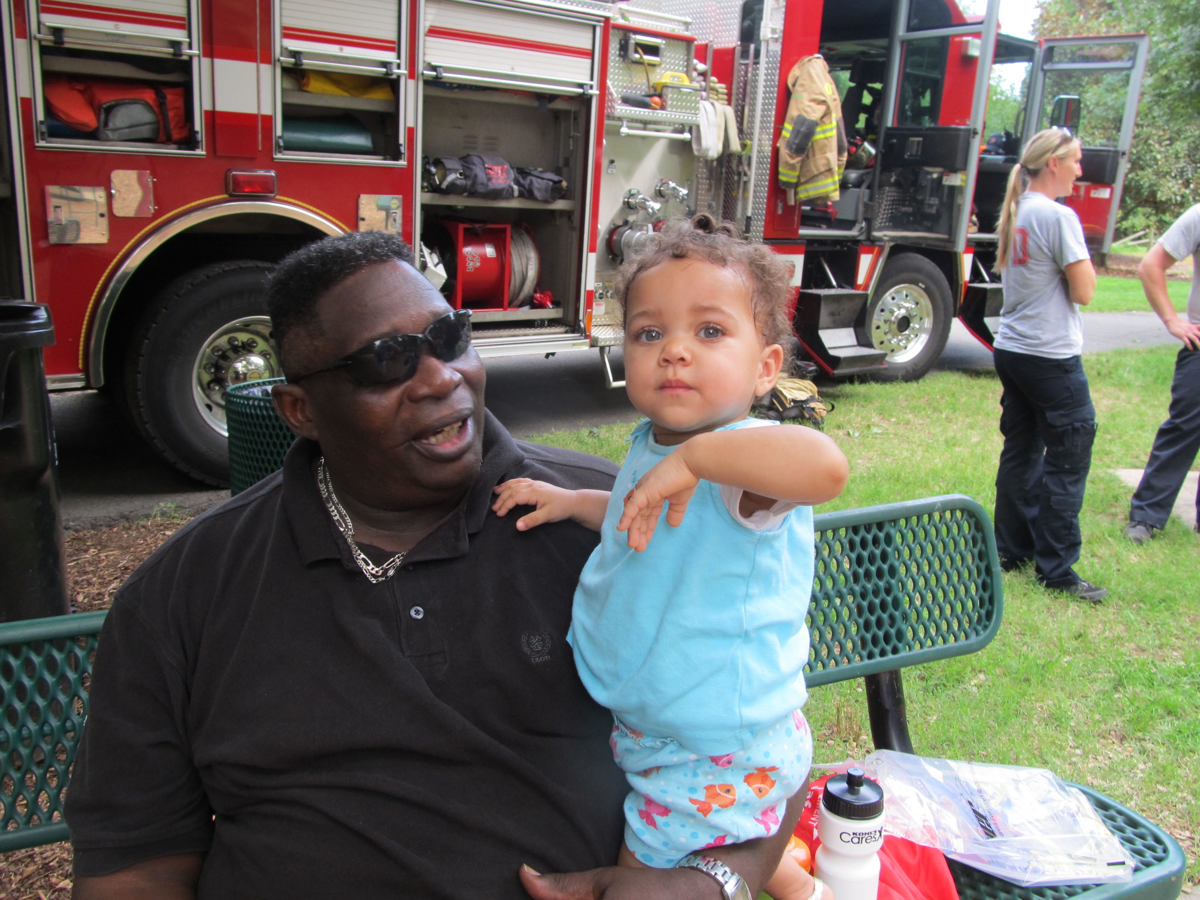 2014-08-05 NNO Man and baby